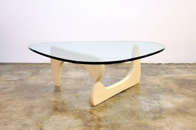 isamu noguchi for herman miller white ash and glass in 50 coffee table at 1stdibs. Black Bedroom Furniture Sets. Home Design Ideas