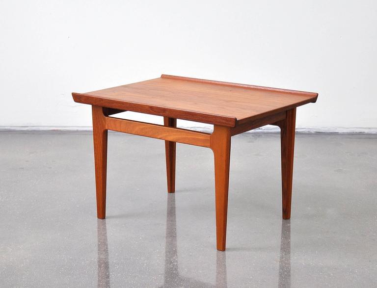 Scandinavian Modern Finn Juhl For France And Daverkosen Model 535 Teak Side Table