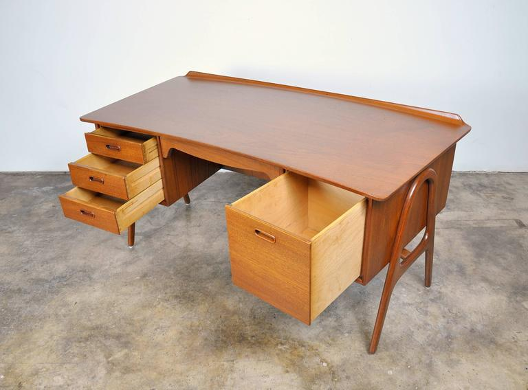 Svend Aage Madsen Teak Desk In Excellent Condition For Sale In Miami, FL