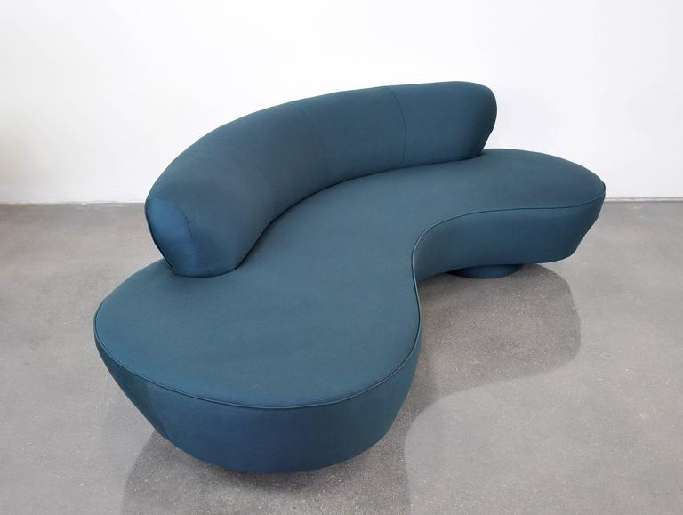 Vladimir Kagan Directional Serpentine Sofa 9