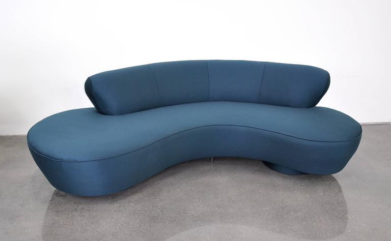 Late 20th Century Vladimir Kagan Directional Serpentine Sofa For Sale
