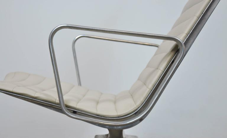 Eames Herman Miller Aluminium Group Lounge Chair and Ottoman 3