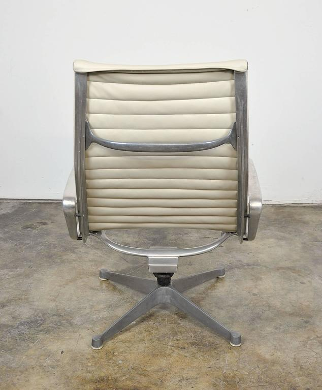 Eames Herman Miller Aluminium Group Lounge Chair and Ottoman 5