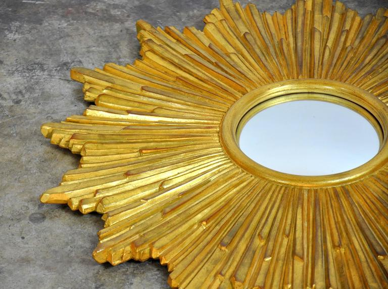 Mid-Century Modern Carvers Guild Loretto Giltwood Sunburst Convex Mirror For Sale
