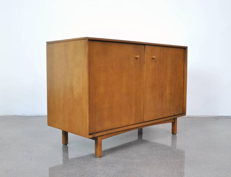 Early Milo Baughman for Murray Furniture Maple Credenza For Sale