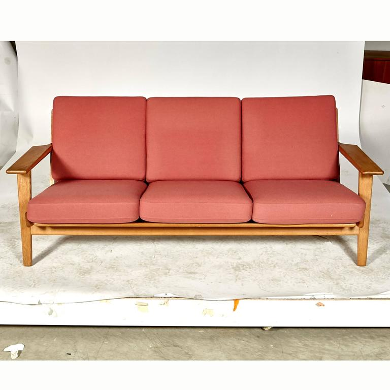Scandinavian Modern Hans J. Wegner Three-Seat Sofa in Oak for Getama GETAMA, GE-290 For Sale