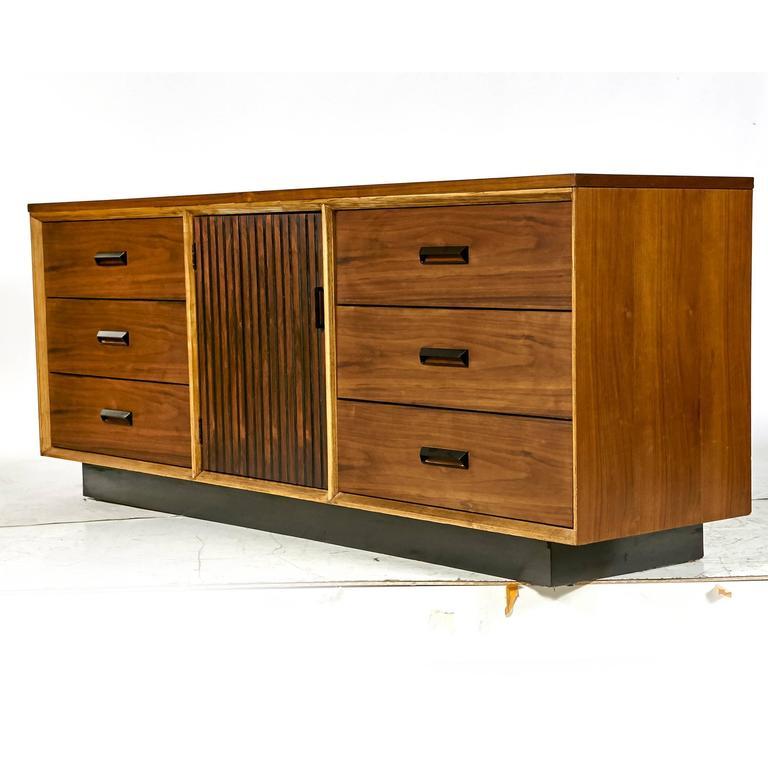 Walnut Dresser By Bassett Furniture 1960s For Sale At 1stdibs