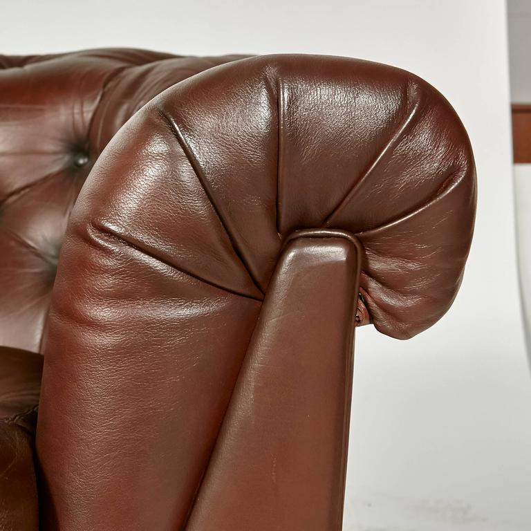 Brown Leather Chesterfield Sofa For Sale 3