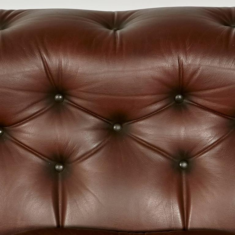 Brown Leather Chesterfield Sofa For Sale 4