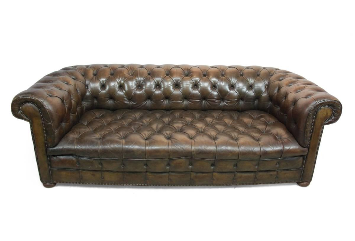 leather buttoned seat chesterfield sofa circa 1930 at 1stdibs. Black Bedroom Furniture Sets. Home Design Ideas