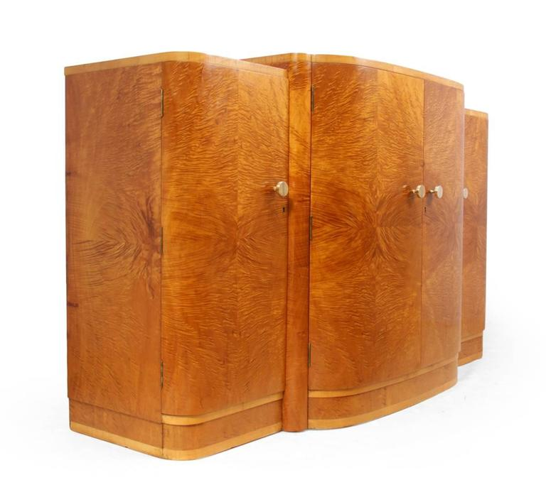 art deco satin maple sideboard british circa 1930 at 1stdibs. Black Bedroom Furniture Sets. Home Design Ideas