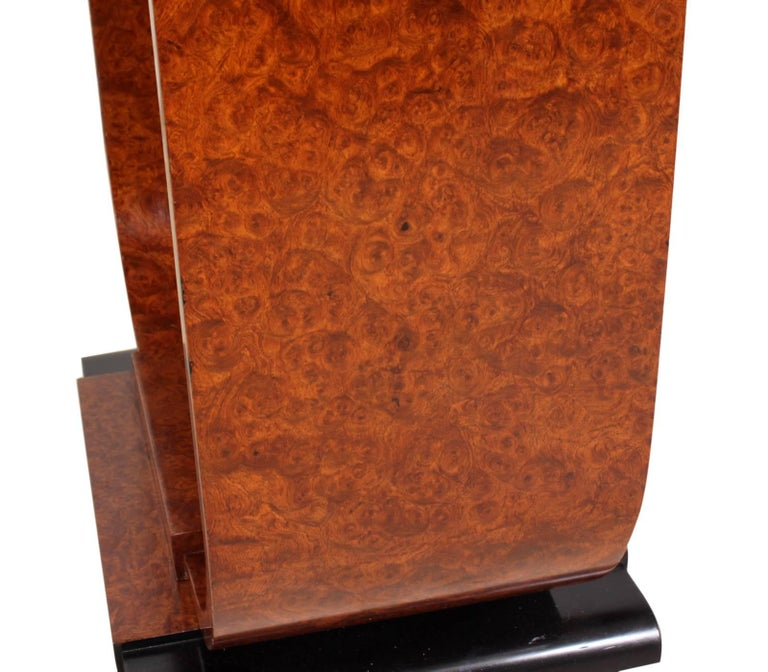 Art Deco table in burr walnut, circa 1920