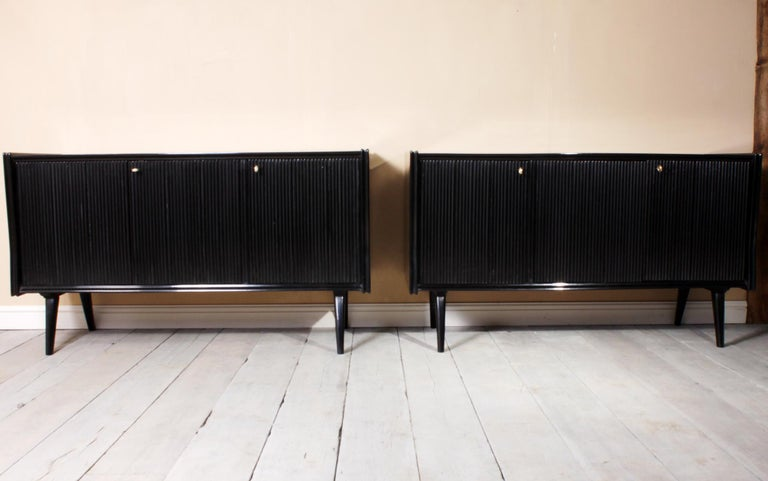 Mid-Century Modern Pair of Midcentury Italian Piano Lacquer Sideboards For Sale