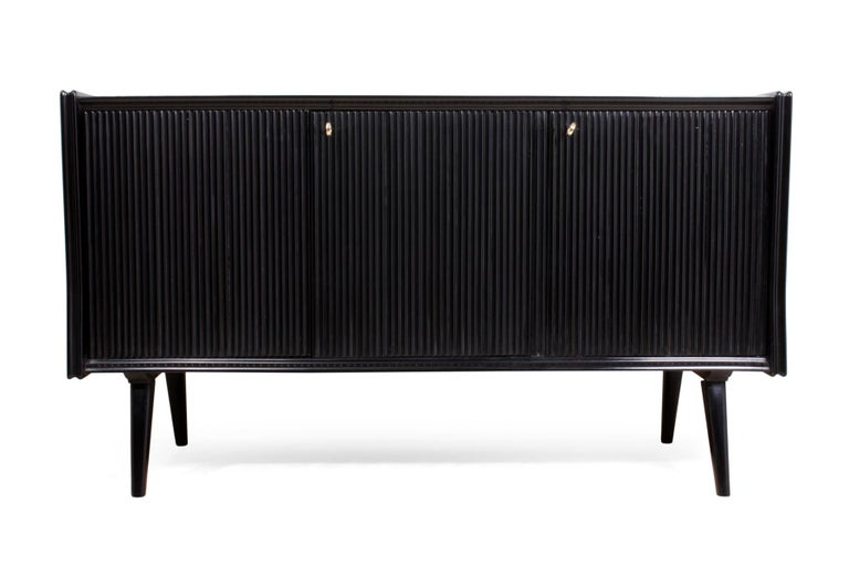 Mid-20th Century Pair of Midcentury Italian Piano Lacquer Sideboards For Sale