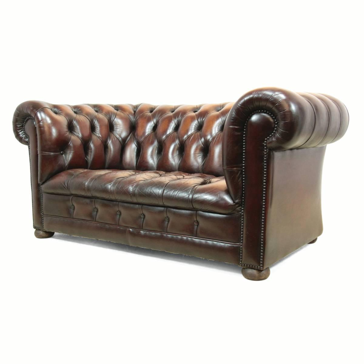 vintage leather chesterfield at 1stdibs. Black Bedroom Furniture Sets. Home Design Ideas