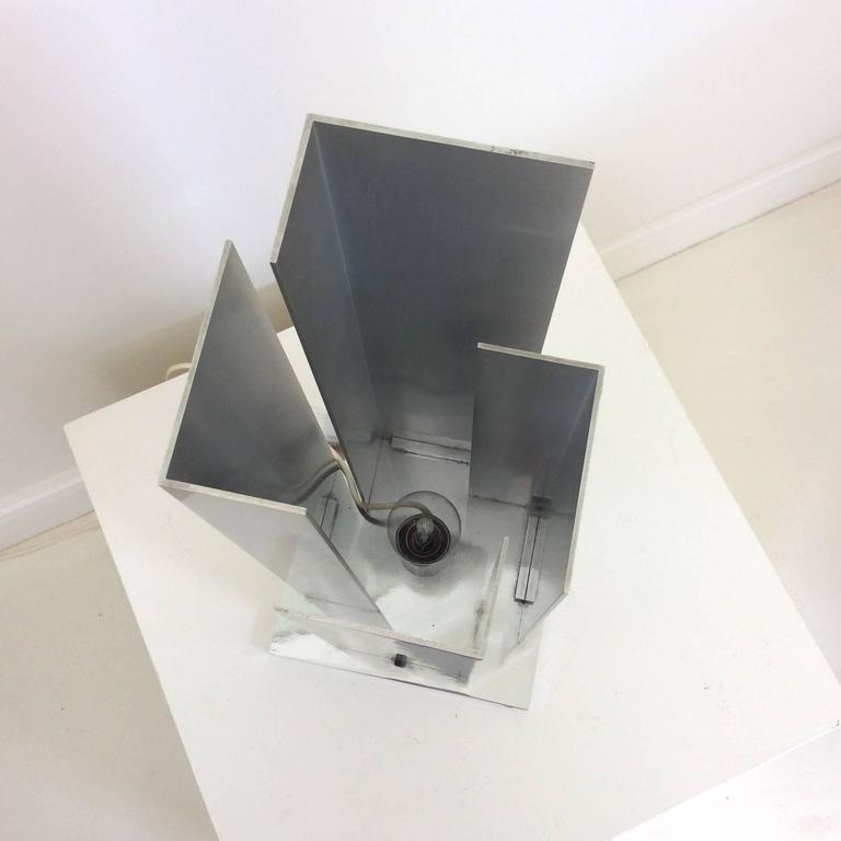 Skulpturale Tischlampe Aluminium und Verchromter Stahl, Italien, um 1970 3