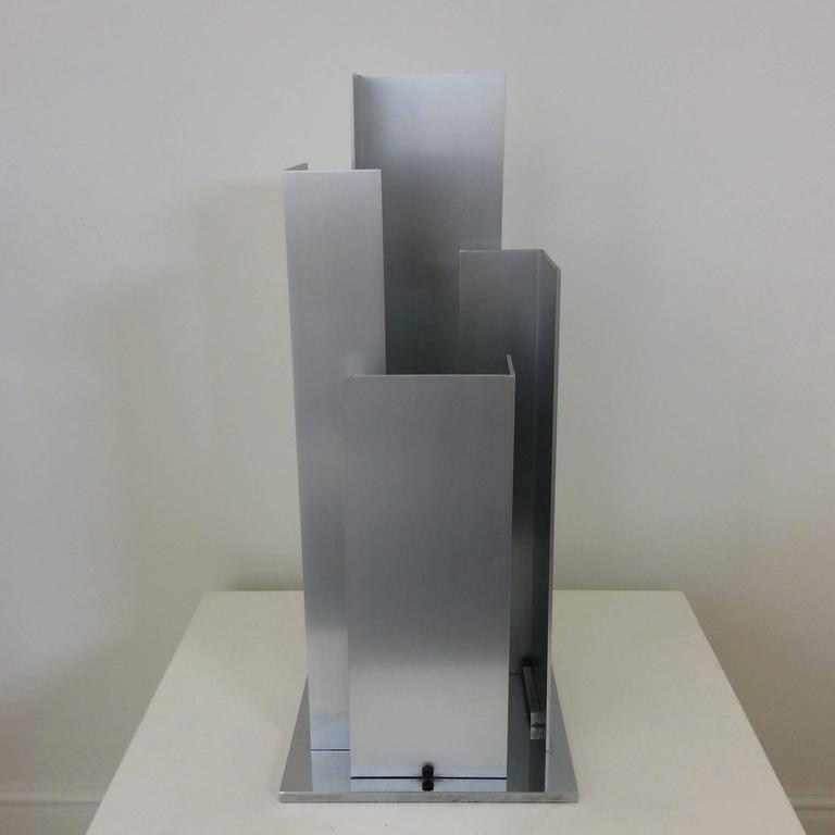 Skulpturale Tischlampe Aluminium und Verchromter Stahl, Italien, um 1970 7