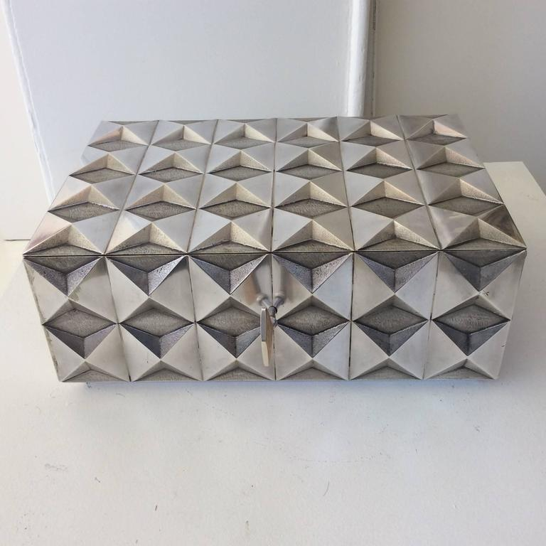 Kostbare Schachtel aus vergoldetem Silber im Diamant-Design, Frankreich, 1970er Jahre 3