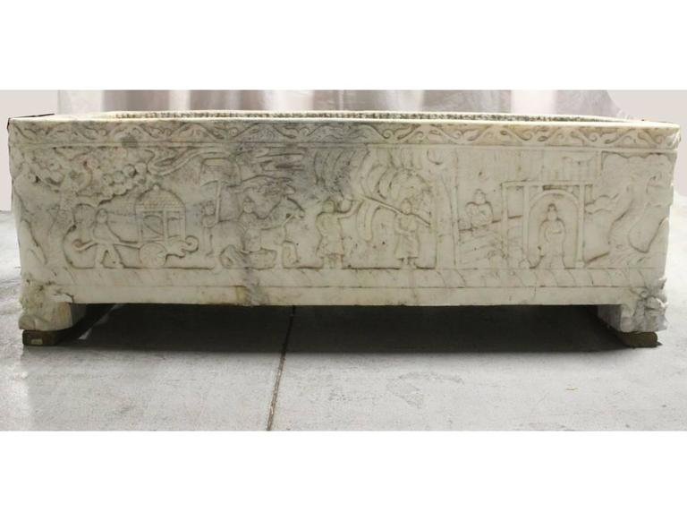 Continental Carved Marble Planter, 18th Century or Earlier For Sale 5