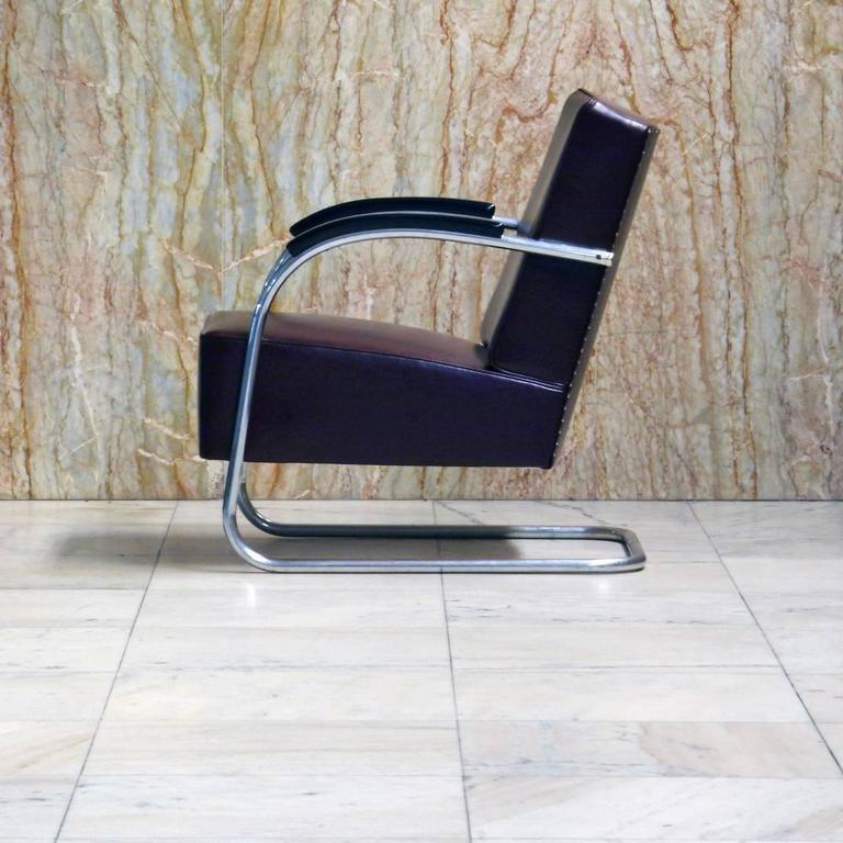 Art Deco Tubular Steel Cantilever Armchair in Art Déco- Streamline Style, circa 1930 For Sale