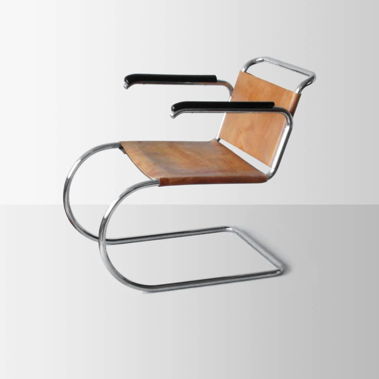 cantilever mr armchair prototype by mies van der rohe. Black Bedroom Furniture Sets. Home Design Ideas