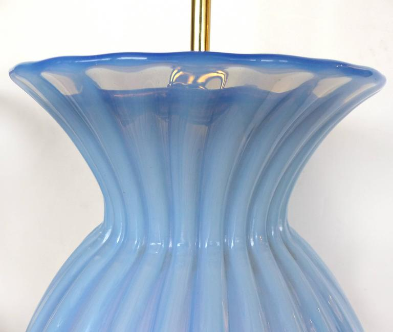 Mid-Century Modern Blue Murano Glass Table Lamp by Marbro In Good Condition For Sale In Miami, FL