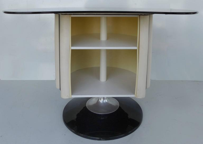 American 1970s Mid-Century Modern Chromecraft Acrylic & Chrome Dry Bar with Two Stools For Sale