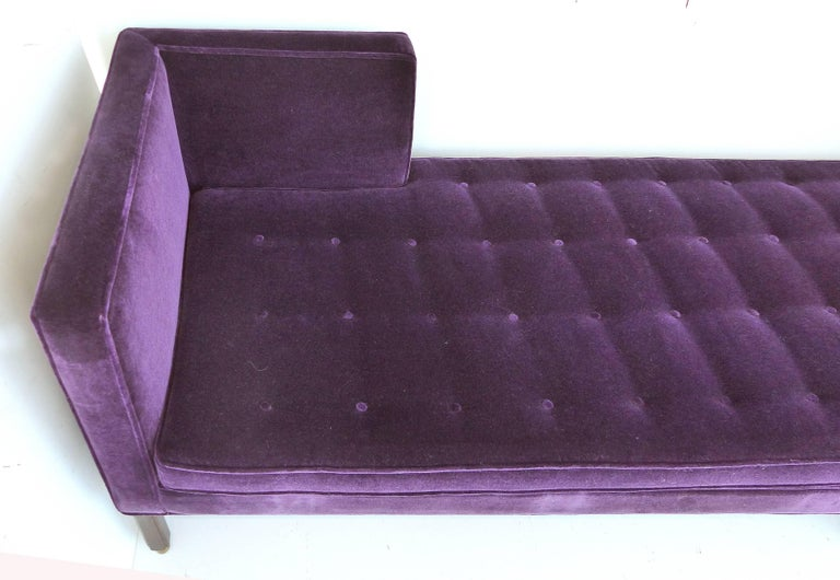 20th Century Edward Wormley Tête-à-Tête Sofa (Model 5944) for Dunbar, circa 1950 For Sale