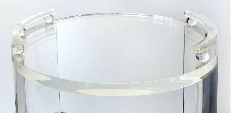 Round Lucite Bar Cart on Casters In New Condition For Sale In Miami, FL