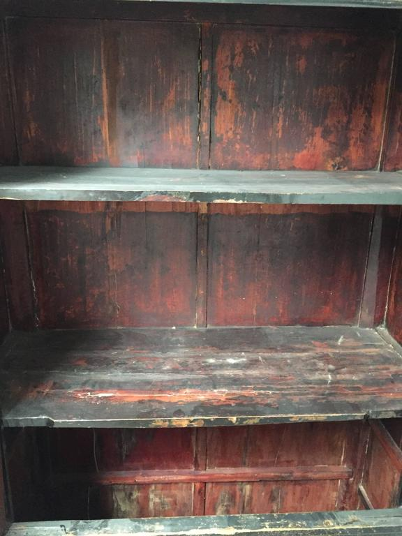 Early 20th Century Chinese Wedding Cabinet For Sale 1