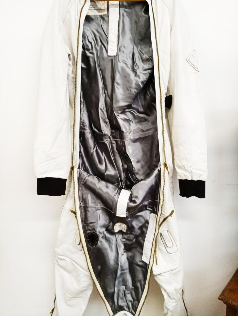 French Leather Stratospheric Pilot Suit SGP Type 21 'Mirage III', circa 1962 In Good Condition For Sale In Dijon, FR