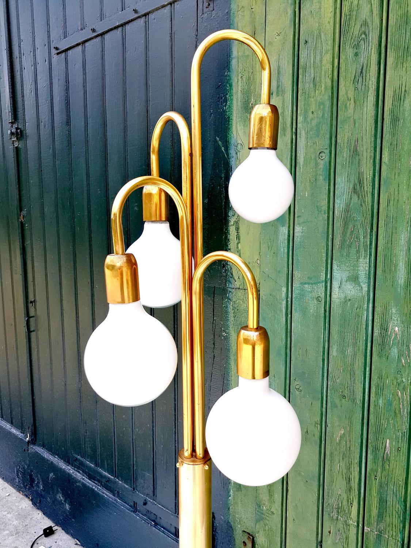mid century modern brass floor spider lamp 1970s for sale at 1stdibs. Black Bedroom Furniture Sets. Home Design Ideas
