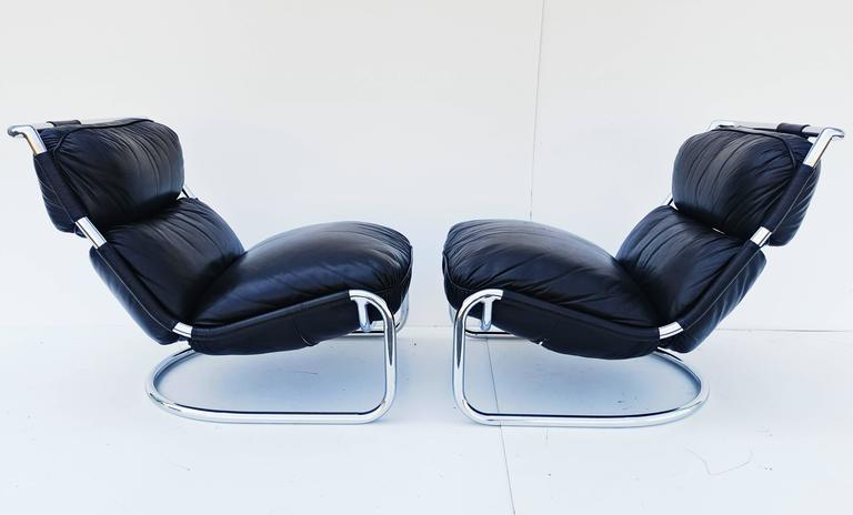 Pair of Italian Leather Lounge Chair, 1970s In Excellent Condition For Sale In L'Escala, ES