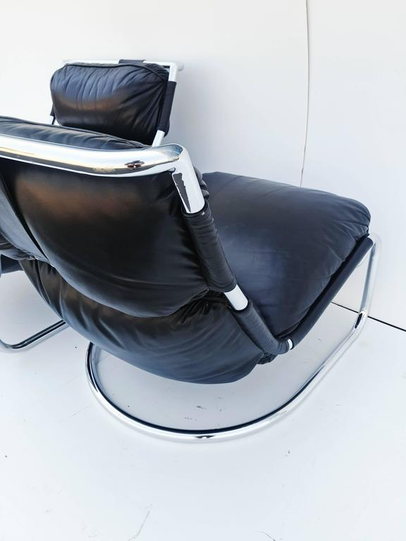 Pair of Italian Leather Lounge Chair, 1970s For Sale 5