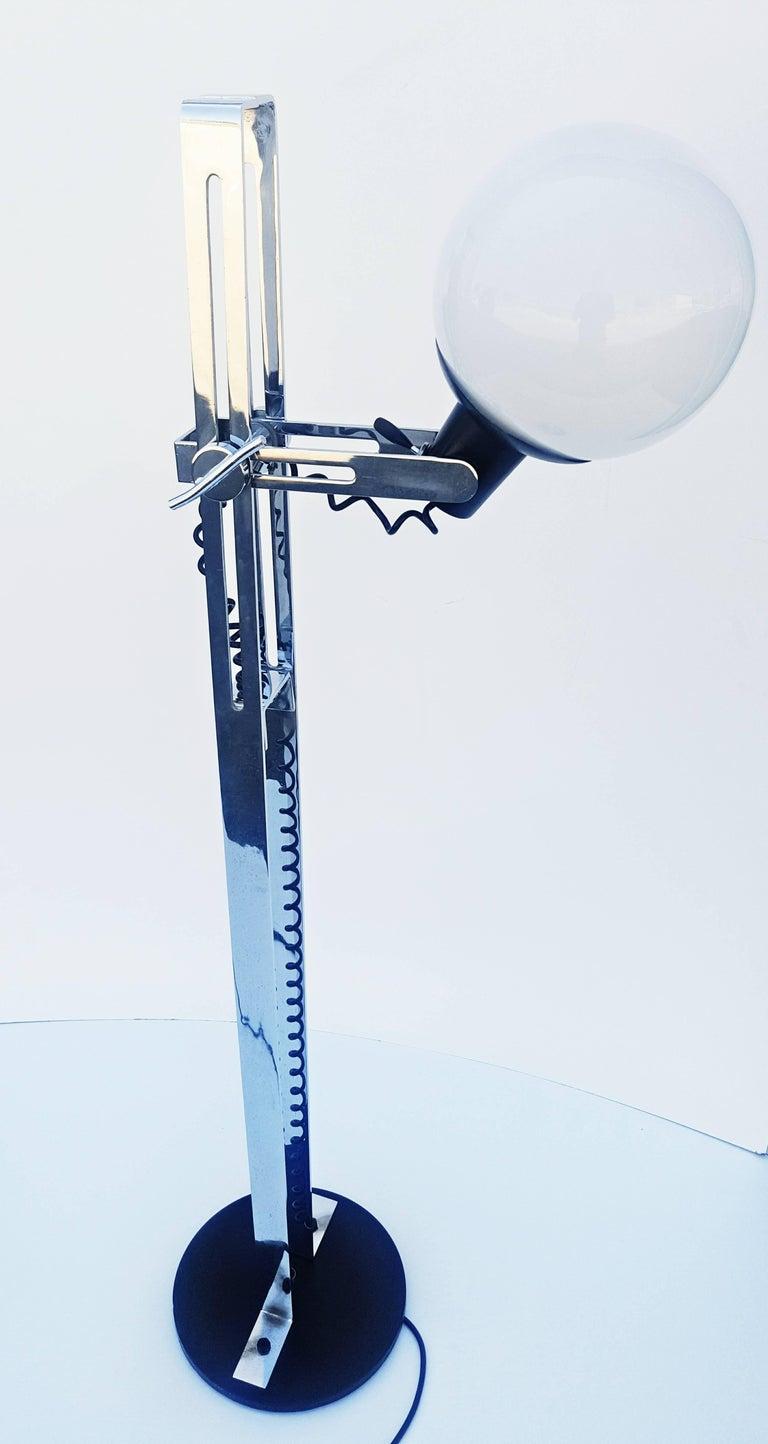 Italian Floor Lamp, 1970s For Sale 1