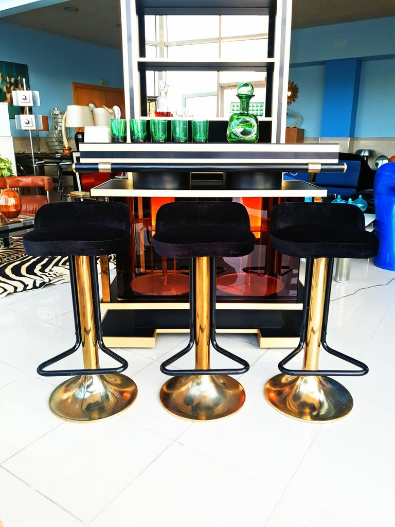 Set Of French 1970s Dry Bar With Stools And Shelves At 1stdibs