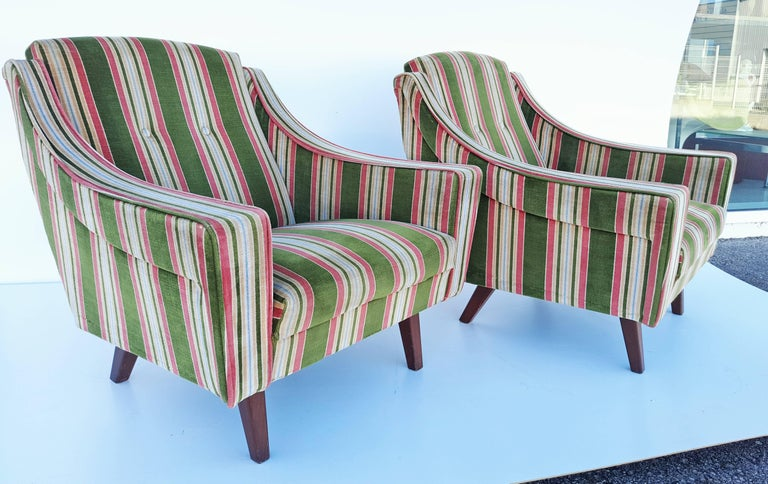20th Century Rare Pair of 1950s, Italian Armchairs in the Style of Gio Ponti For Sale