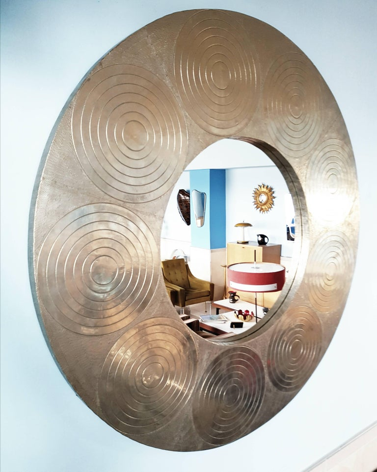 Very Large Circular Hammered Metal Mirror 1970s In Excellent Condition For Dijon