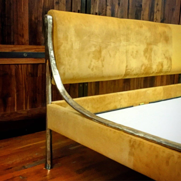 Contemporary Giac Bed with Hand Carved & Cast Bronze & Upholstered Frame For Sale 1