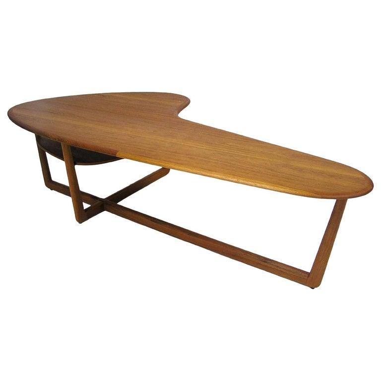 1960s Stylish Kidney Shaped Teak Coffee Table