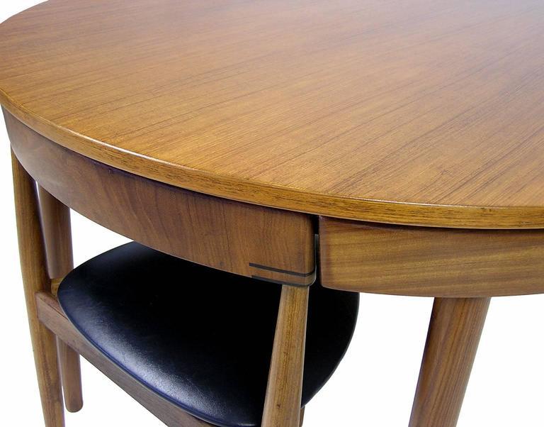 Marvelous Scandinavian Modern 1950s Hans Olsen Teak Dining Table And Chairs, Denmark  For Sale