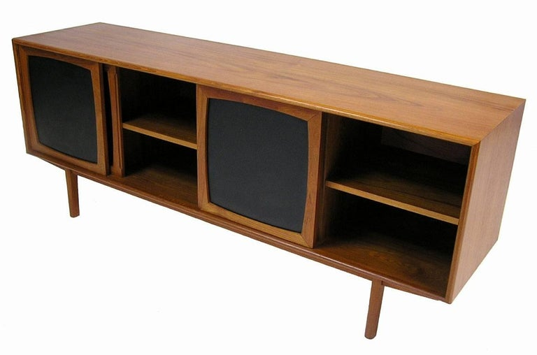 1960s Low Mid Century Modern Design Teak Sideboard At 1stdibs