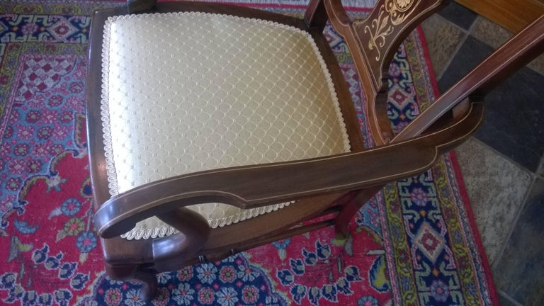 Early 20th Century Edwardian Mahogany and Satinwood Inlaid Armchair For Sale