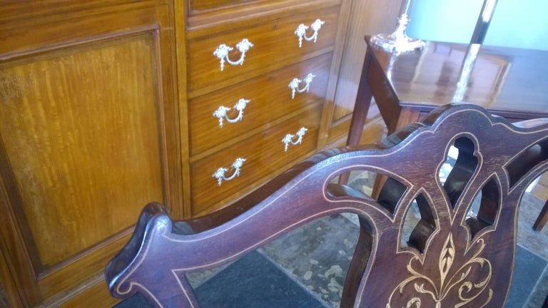 Edwardian Mahogany and Satinwood Inlaid Armchair In Excellent Condition For Sale In Altrincham, Cheshire