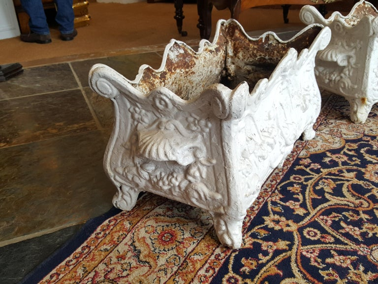 Pair of Victorian Cast Iron Jardiniere Planters In Excellent Condition For Sale In Altrincham, Cheshire