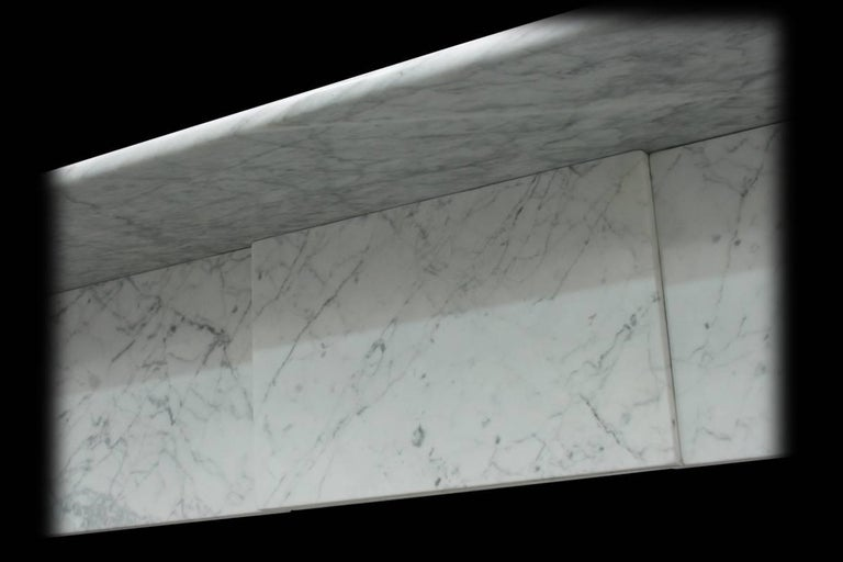 Antique 19th Century Victorian Carrara Marble Fire Surround In Good Condition For Sale In Manchester, GB