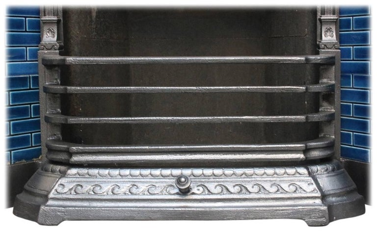Late 19th Century Reclaimed Late Victorian Cast Iron and Tiled Fireplace Grate For Sale