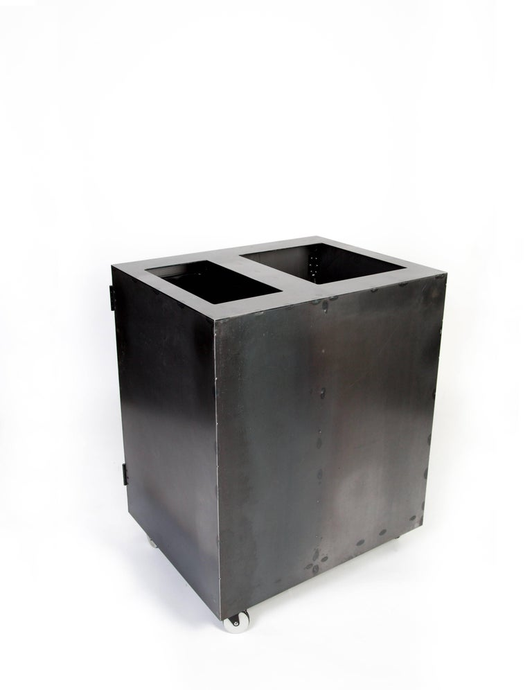 Minimal Modern Custom Steel Garbage & Recycle Bin (custom logos upon request) In New Condition For Sale In Bozeman, MT