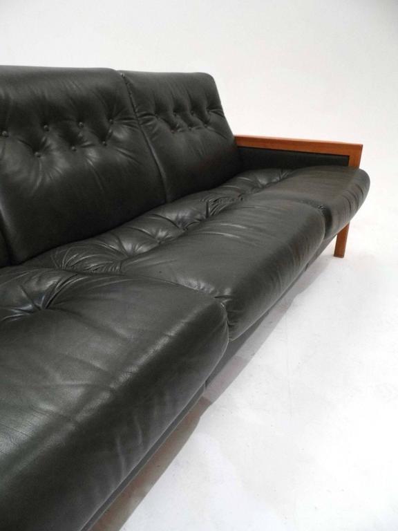 Norwegian Vatne Mobler Green Leather Teak Three-Seat Sofa Mid-Century, 1970s at 1stdibs