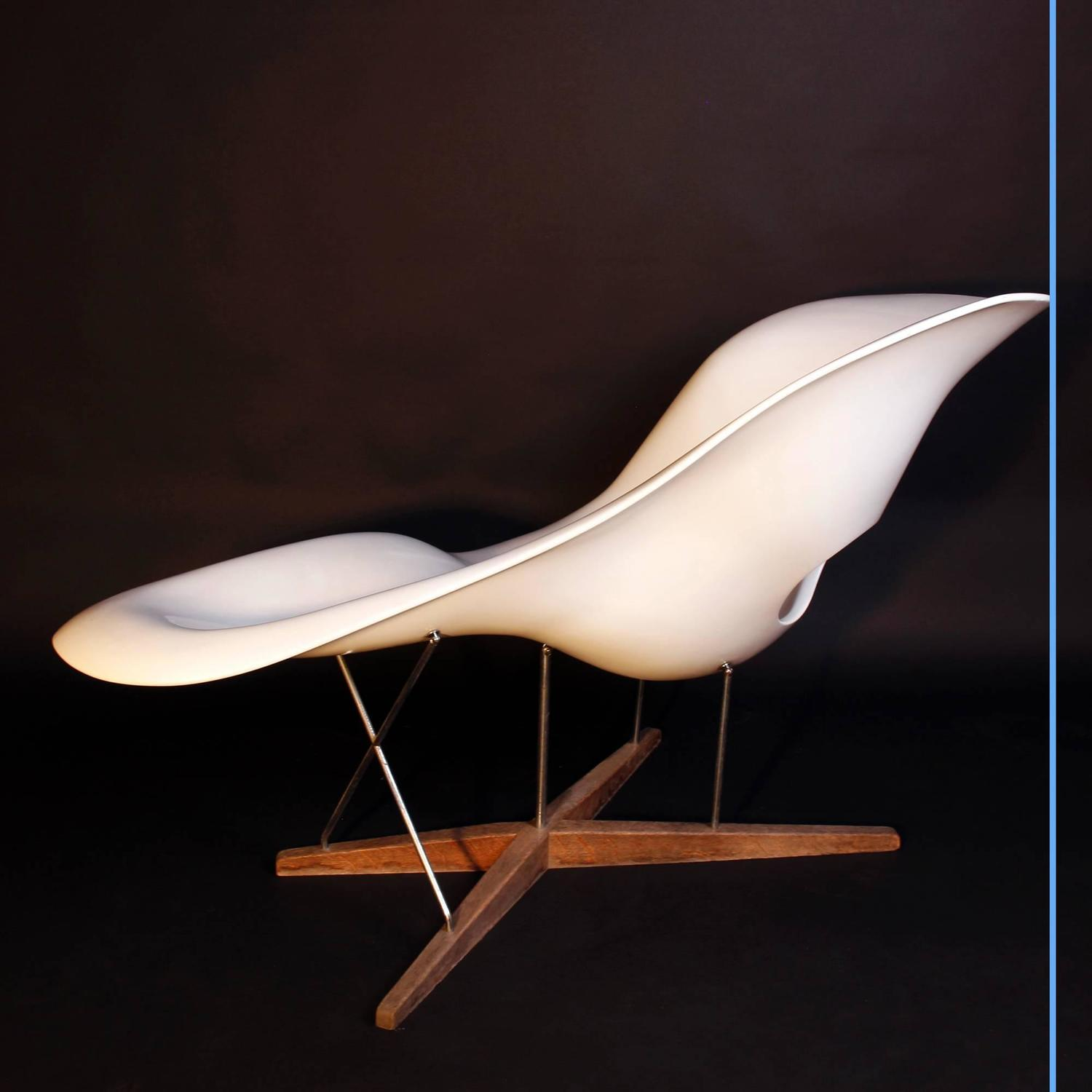 La chaise charles eames chaise longue for sale at 1stdibs for 4 chaises eames
